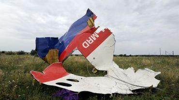 Une pièce de l'épave du MH17 à Shaktarsk le 18 juillet 2014