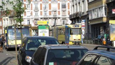 La STIB rappelle que le tram a toujours priorité
