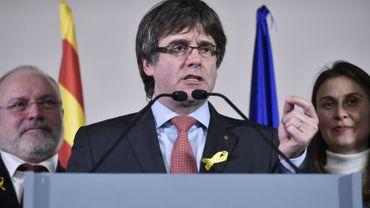 """Carles Puigdemont:""""Rajoy a perdu le plébiscite qu'il cherchait"""","""