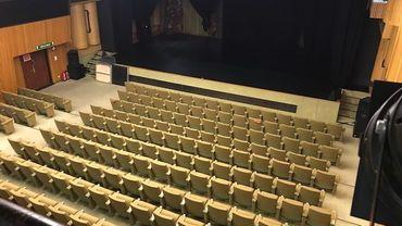 Une salle de 300 places qui se prépare à devenir un cinéma
