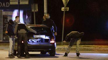 """France: 300 personnes arrêtées depuis janvier en lien avec """"des filières terroristes"""""""