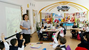 Une salle de classe à l'école numéro 76 d'Astana, le 25 septembre 2018 au Kazakhstan
