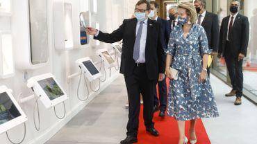 La reine Mathilde inaugure le Wikifin Lab, un centre d'éducation financière interactif