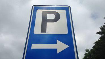 Désormais, 200 places de parking seront disponibles en sous-terrain pour les riverains et les commerçants de la place du Miroir, à Jette (illustration).
