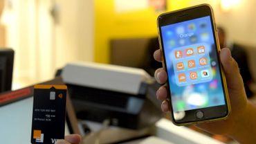 Une app, pas d'agence... Les néo-banques, de vrais banques moins chères?
