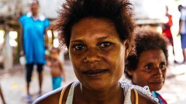 Violences familiales, agressions sexuelles, harcèlement psychologique... En Papouasie-Nouvelle-Guinée, les femmes se battent pour faire respecter leurs droits.