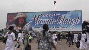 "RDC: Kinshasa enterre ""Maman Olangi"" qui défiait les traditions"