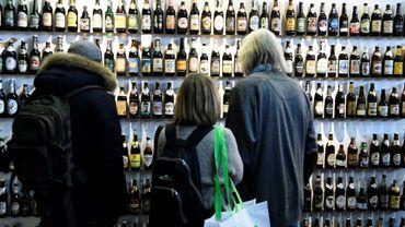 """Des bouteilles de bières exposées lors du salon agricole de la """"Semaine verte"""" à Berlin, le 15 janvier 2016"""