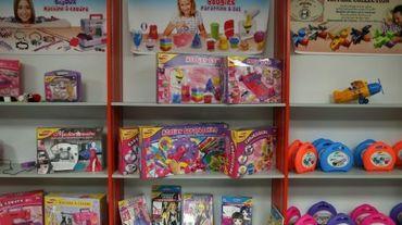 Le fabricant de jouets en plastique Heller-Joustra à son siège à Trun (Orne)