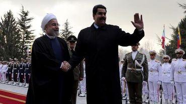Le président iranien Hassan Rohani (gauche) et le président vénézuélien Nicolas Maduro le 10 janvier 2015