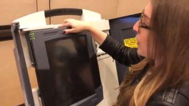 La Defcon montre, à nouveau, la facilité de pirater une machine à voter en moins de 2 minutes
