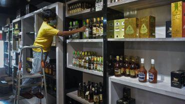 Les trafiquants ajoutent souvent du méthanol, un produit hautement toxique.