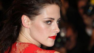 """Fin 2013, Kristen Stewart devrait revenir au blockbuster avec la suite de """"Blanche-Neige et le Chasseur""""."""