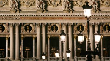 """L'Opéra Garnier retrouve sa """"ceinture de lumière"""""""