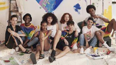 """H&M lance la collection """"Love For All"""" pour soutenir les communautés LGBTQI."""
