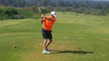 Suite aux mesures de confinement pour combattre le coronavirus, les parcours de golf sont complètement fermés. Pourtant, ce sport peut se pratiquer de manière individuelle. D'où cette incompréhension des joueurs de golf qui ne comprennent pas pourquoi ils ne peuvent plus pratiquer.