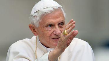 Le pape Benoît XVI ne peut plus prendre l'avion trop longtemps