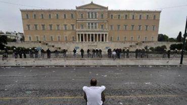 Une parlementaire du parti néonazi Aube dorée a créé un incident au parlement grec