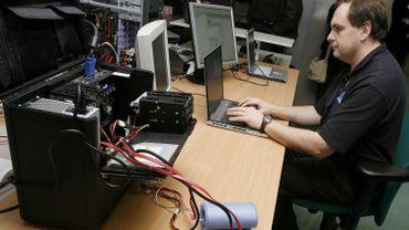 La plupart des lois actuellement en vigueur datent d'avant l'apparition d'Internet.