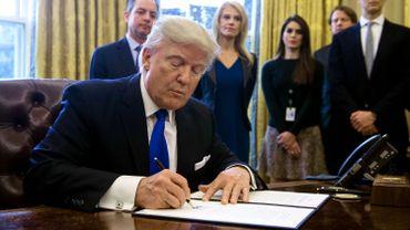 Trump va interdire les réfugiés et détenteurs de visas issus de sept pays musulmans