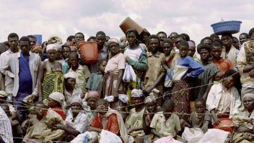 Des réfugiés rwandais dans un camp en plein génocide en 1994.