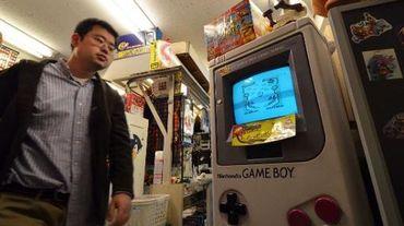 Un magasin de jeux vidéo à Tokyo avec un stand Nintendo le 17 avril 2014