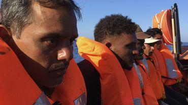 Migrants rescapés par l'Ocean Viking (ONG française) en Méditerranée, en juin 2020