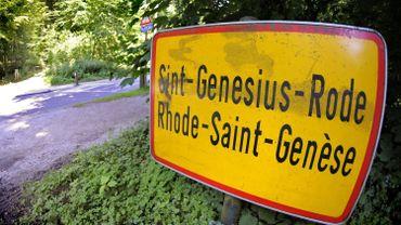 """""""Respect van Sint-Genesius-Rode"""" s'oppose à la décision de mardi soir du conseil communal de lancer une campagne d'information à l'attention des habitants francophones, majoritaires."""