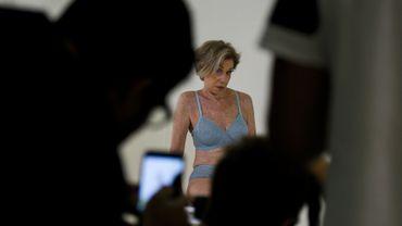 Pour vraiment marquer les esprits, Helena Schargel a décidé de jouer les mannequins, publiant de nombreuses photos sur Instagram, où elle compte près de 18.000 abonnés.