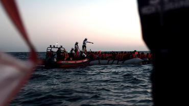 Refus de l'Italie et de Malte d'accueillir des migrants bloqués en mer: débat prévu au Parlement européen