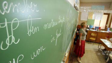 Apprendre le néerlandais, une exigence pour ceratins parents d'Enghien.