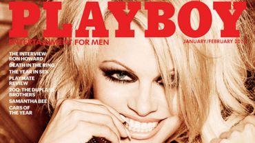 Pamela Anderson pose en couverture du numéro de janvier/février 2016 de Playboy