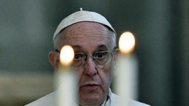 """Le pape François a demandé samedi aux évêques d'affronter le narcotrafic et la violence avec """"courage"""" lors d'un discours dans la cathédrale de Mexico."""