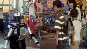 Une ancienne version de Robovie, photographiée en 2008 au Japon