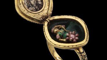 Bague rosace ornée de diamants avec médaillon acquise par la Fondation Roi Baudouin, qui sera exposé au Musée DIVA