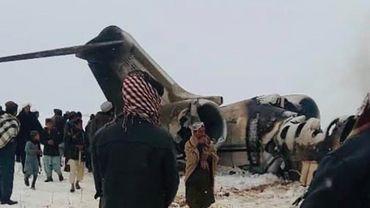 Afghanistan: un avion s'écrase dans une zone non sûre