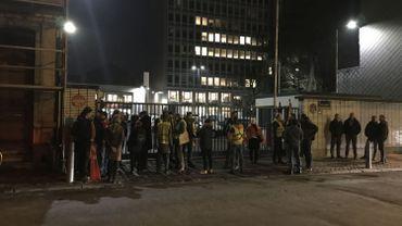 Une trentaine de manifestants devant chez Nethys