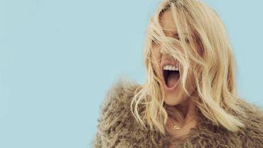 Ellie Goulding fait danser ses fans dans une lyric video pour un titre inédit