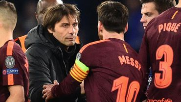 Antonio Conte salue Lionel Messi