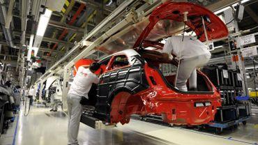 Une usine d'assemblage de voitures