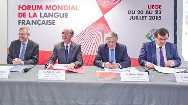 Messieurs Duhaime, Demotte, Suinen et Demeyer lors d'une conférence de presse sur le Forum