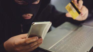 """Febelfin met en garde contre une fraude aux """"comptes à sécurité renforcée"""": ne donnez jamais votre code !"""