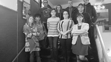 Toute l'équipe du cinéma montois Plaza-Art rassemblée pour exprimer ses regrets et remercier son public