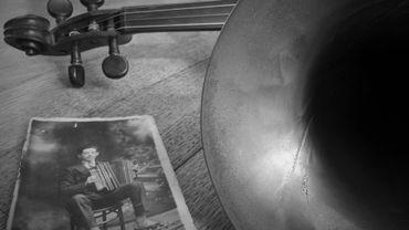 """""""Il y a énormément de tonalités majeures dans la musique wallonne, ce qui en fait une musique très souriante"""" (Julien Maréchal)."""