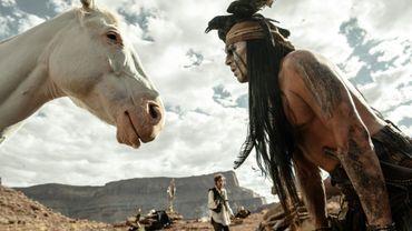 Johnny Depp délaisse un temps l'éthylique Jack Sparrow pour le mystique Tonto