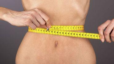 """Mention """"photo retouchée"""" et visite médicale pour lutter contre les mannequins trop maigres"""