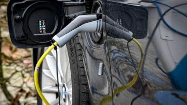 Une voiture électrique solaire commercialisée à la fin de l'année