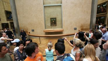 La Joconde a retrouvé lundi sa place habituelle au musée du Louvre.