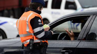 """Illustration: les """"contrôles"""" au faciès en hausse depuis les attentats du 22 mars, rapporte la LDH"""