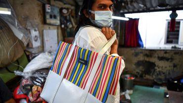 Inde : grâce aux sacs à main, une communauté d'artisans lutte contre la discrimination